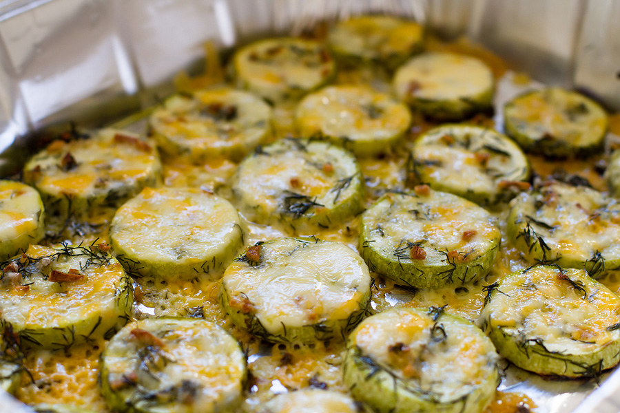 Сырные кабачки в духовке