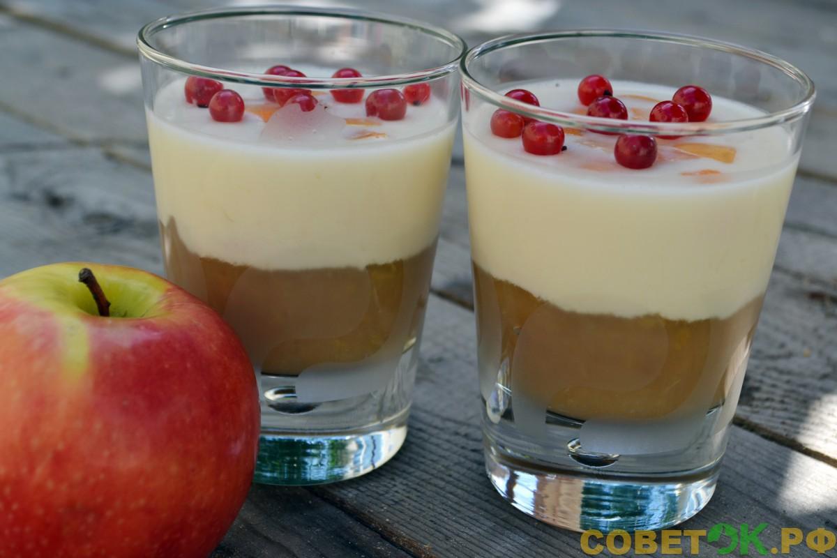 Воздушный яблочный десерт со сметанным кремом
