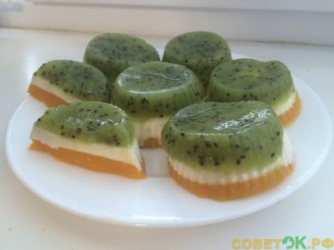 Низкокалорийный десерт из киви, творога и тыквы