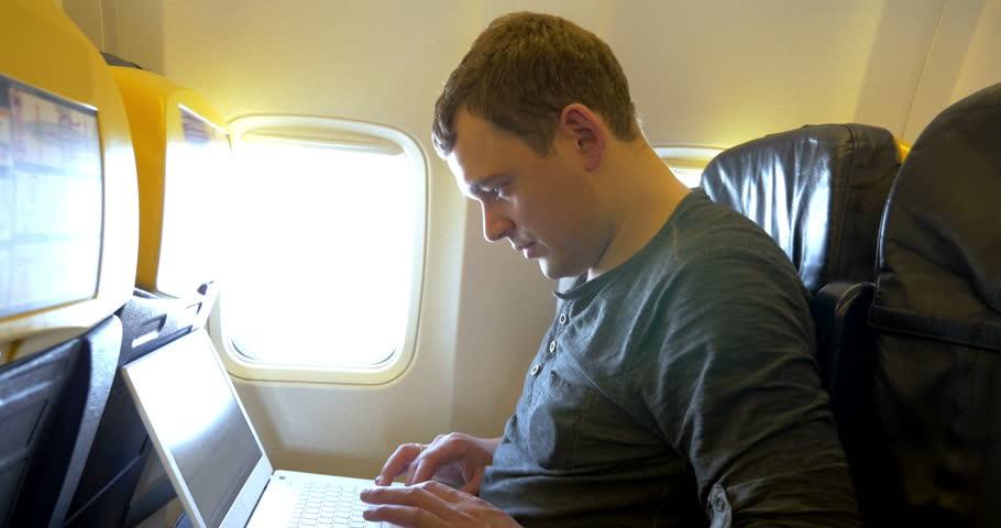Советы туристам, как экономить, путешествуя на самолете